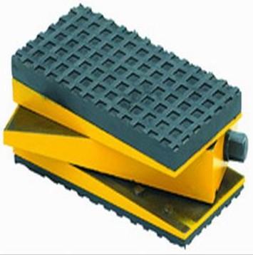 三层减震调整垫铁